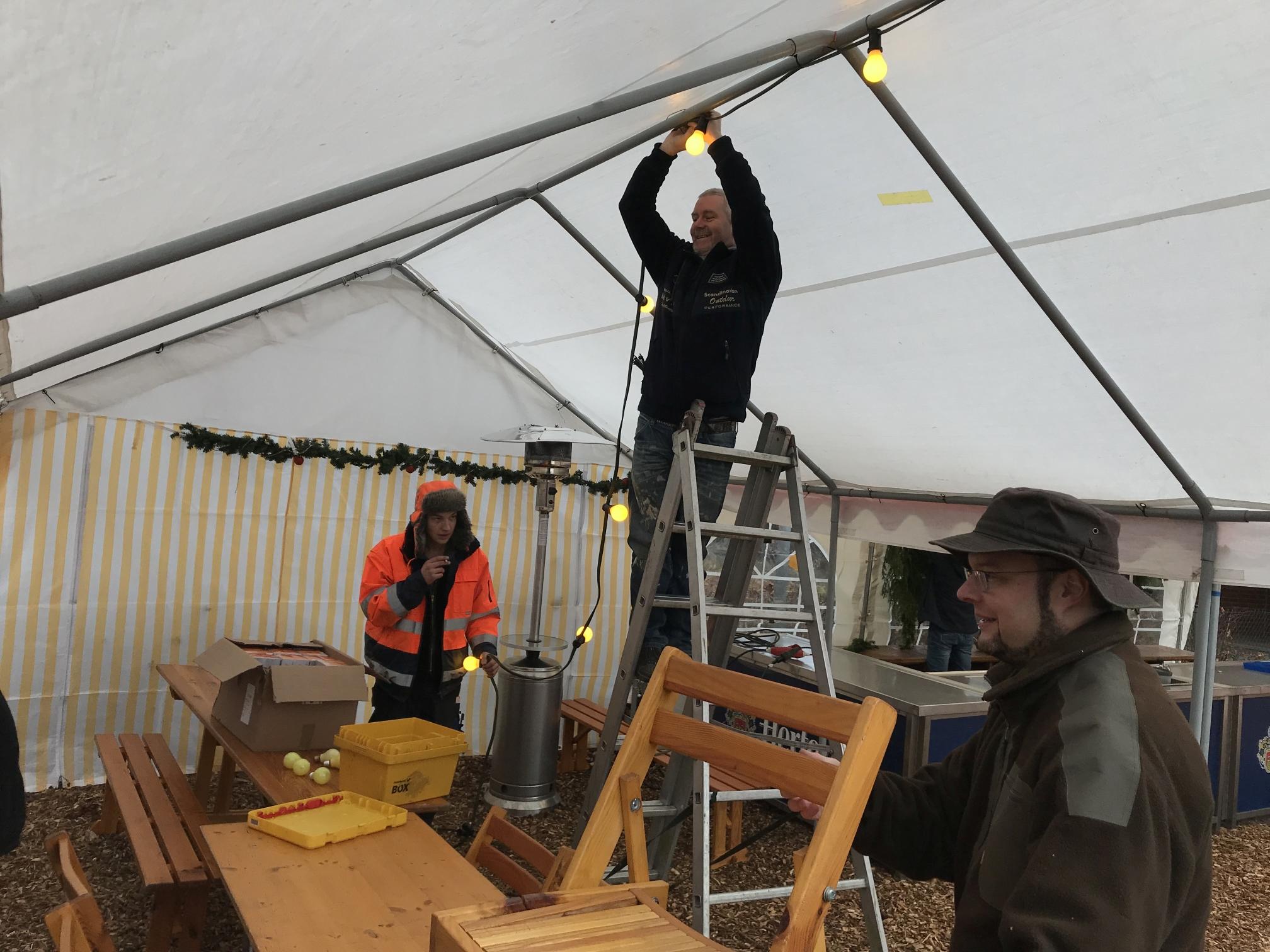 20171202_Aufbau-Lichterglanz_Weinachtsklänge_0018