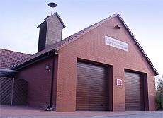 Gerätehaus für 2 Fahrzeuge und Geräteraum