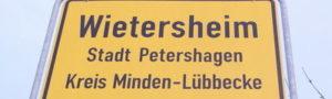 am Torweg: Ortsschild Wietersheim, Stadt Petershagen, Kreis Minden Lübbecke